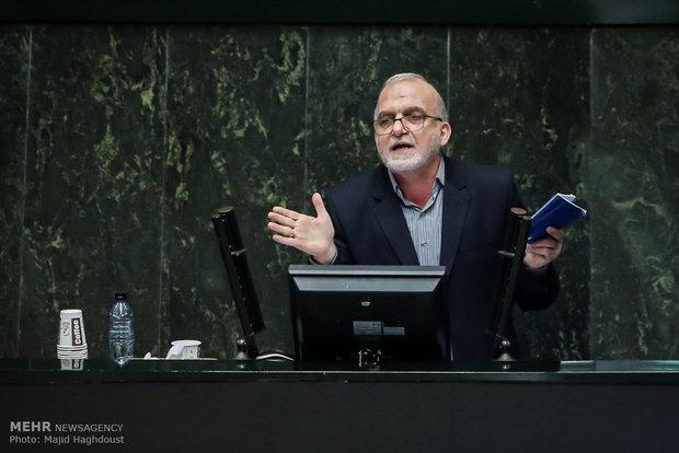 وعده لاریجانی برای ردیف بودجه آب اصفهان، استعفا در حالت مراعاست