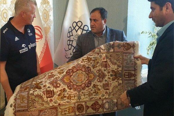 سرمربی و بازیکن تیم ملی والیبال لهستان شهروند افتخاری ارومیه شدند