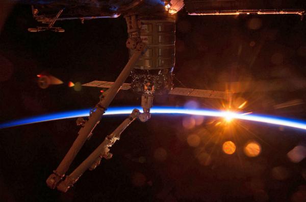 درب های ایستگاه های فضایی بین المللی بر روی شرکت های تجاری باز می شوند
