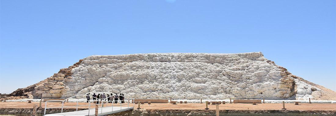فیلم ، آبشار نمکی زیبای ایران در خور و بیابانک ، کویر مصر می روید به تماشای دهکده نمکی هم بروید