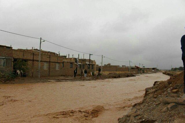 آماده باش کامل ساوه برای مقابله با سیل و آبگرفتگی احتمالی، مهار سیلاب در آوه