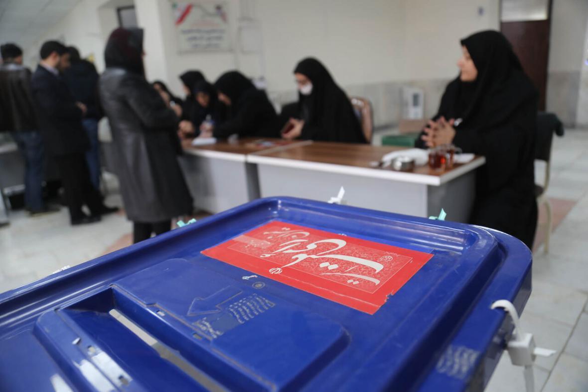 خبرنگاران قزوینی ها رای گیری را به اواخر وقت موکول نکنند