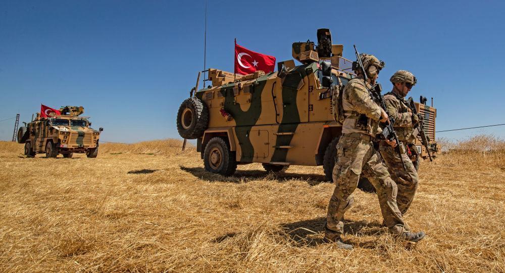 ترکیه برای دفع حمله احتمالی کُرد های سوریه، به این کشور نیرو اعزام کرد