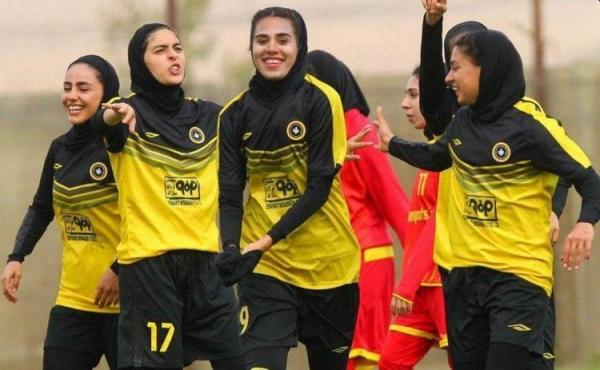 واکنش زنان فوتبالیست به اظهارات توهین آمیز فنونی زاده و حیدری
