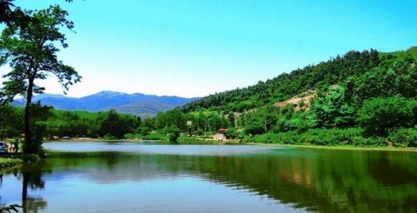 عروس، دریاچه ای زیبا در گیلان که آبش دو رنگ است!
