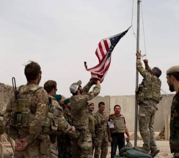 خبرنگاران یک پایگاه آمریکایی به ارتش افغانستان سپرده شد