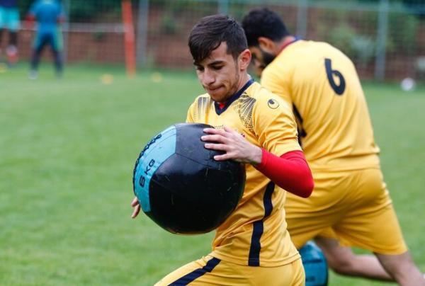 باشگاه فولاد ابتلای احمدزاده به کرونا را تایید کرد