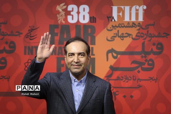 کنایه آمیز حسین انتظامی به توقیف می خواهم زنده بمانم